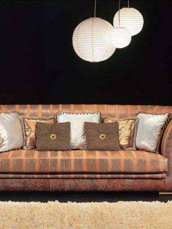 Classic sofa availables with Cocco Louis leather covering